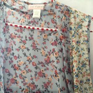Other - Sleeveless kimono